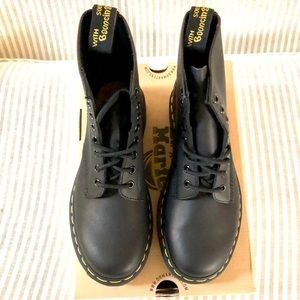 Dr. Martens Black Greasy Women's SZ7